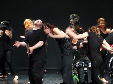 Χορός1
