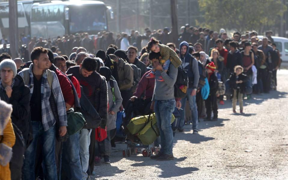 refugees line